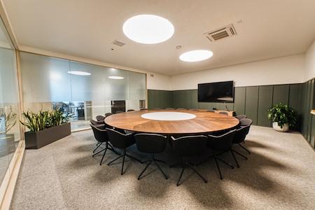 CENTRL Office - Lake Oswego - M1 - Board Room