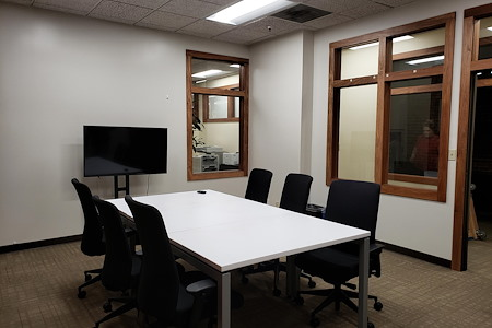 ReadiSuite - Veronica Building - Meeting Room - 313