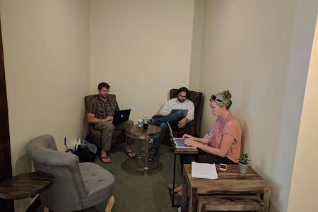 R Space at the Rochester - Coworking Daily Drop-In / $30