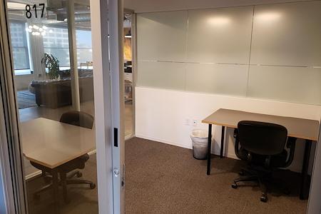 Cross Campus Pasadena - Small Office