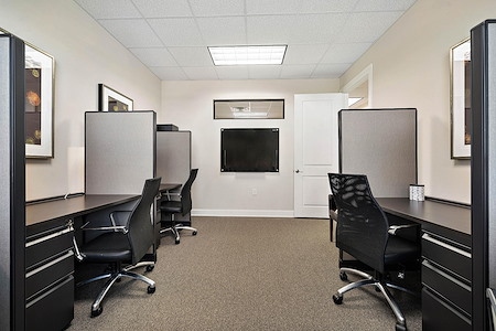 FIT Work Space Solutions - Desk 5