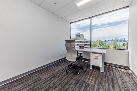 Harbourfront Business Centre - Suite 513 - Hourly Office (Window)