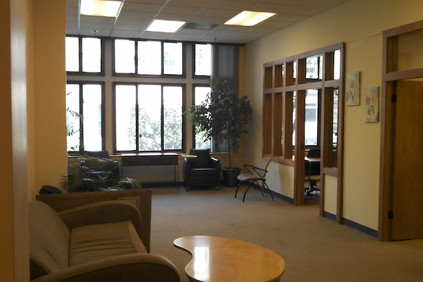 ReadiSuite - Veronica Building - Office Suites 250