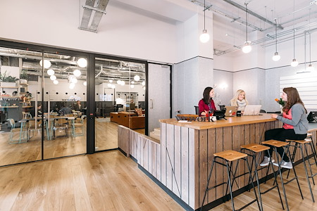 WeWork | Tower 535 - Hot Desk