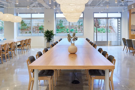 Studio   Beverly Hills - Flex Desk