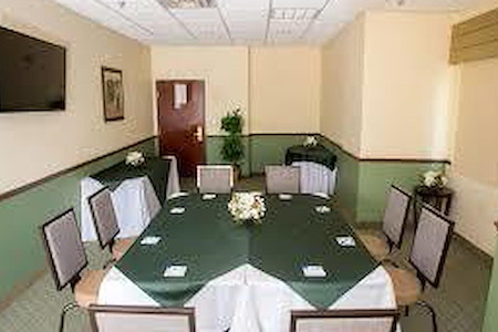 Holiday Inn Express - Citrus Room