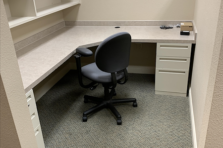 Etchasoft - Private Cubicle Desk 1