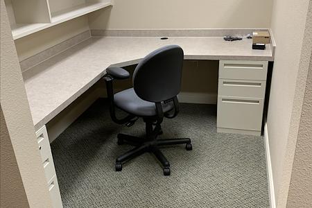 Etchasoft - Private Cubicle Desk 4