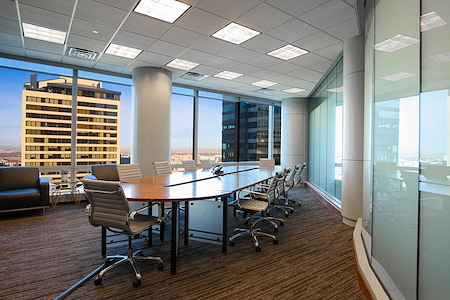 Avanti  Workspace - Wells Fargo Center - Exterior Boardroom