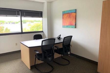 Crown Center Executive Suites (CCESuites) - Day Offices