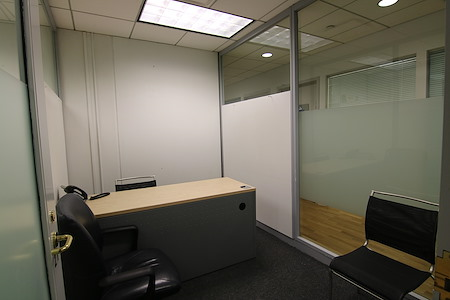 Madison Avenue | i Share Offices - Office Suite 21