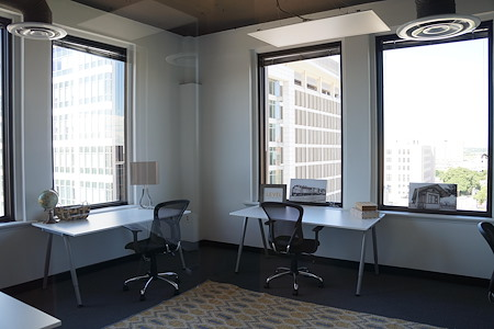 Novel Coworking Scanlan Building *Downtown* - Office 811