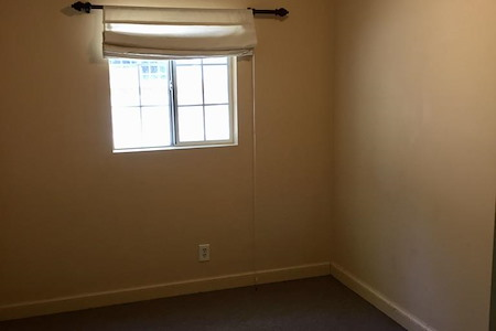 Holly Freeling Psychotherapy - Office 1