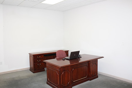 Pearl Street Business Center in Metuchen, NJ - Suite 102 - Executive Office