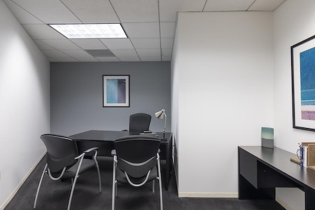 (BUR) Burbank Media District - Interior Office Available