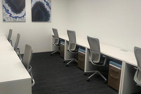 Emerge212 - 1185 Avenue of the Americas - Interior Team Room #256