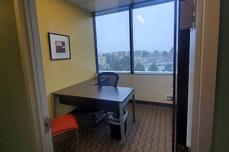 Regus | South Vaughn Way - Office 515