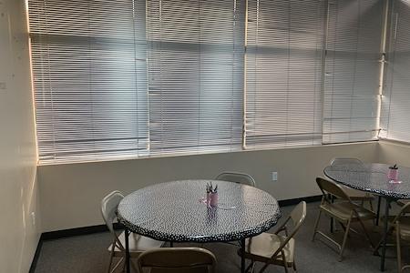 MK dream Center - Office 1