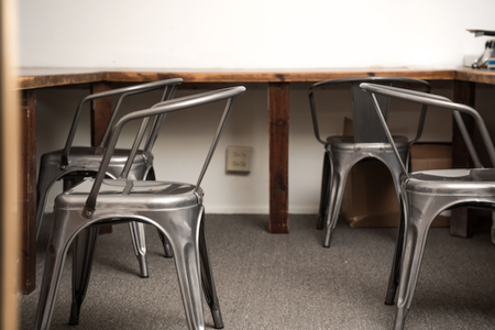 P E L T  Inc - Dedicated Desk 1