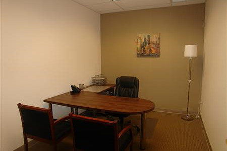 Hampton Business Center - Pines Blvd. - Office 319 (Interior)