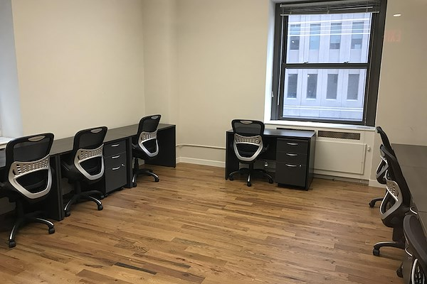 Select Office Suites - 90 Broad St. - 9 person team room