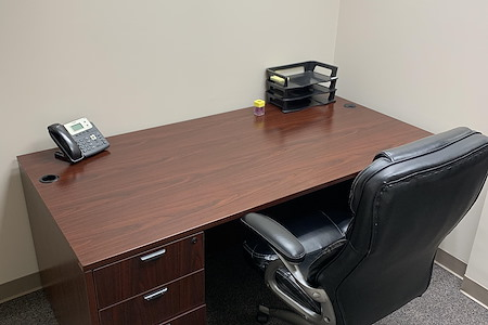 Holiday Ct - Desk 2