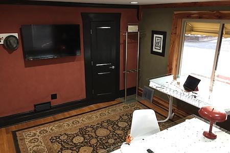 Thomsen Corner Office #2 - Thomsen Corner Office