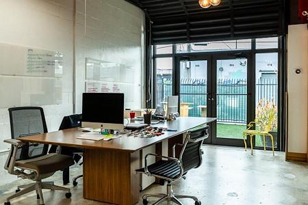 BrainBox - Dedicated Desk