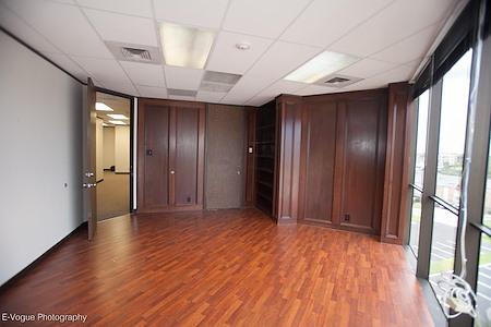 Richmond Tower - Office Suite 1