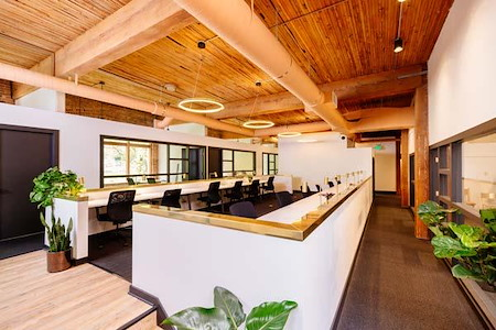 Knack Coworking - Dedicated Desk