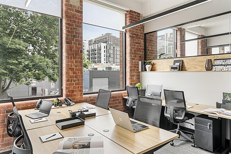 United Co. - 8-Person External Office