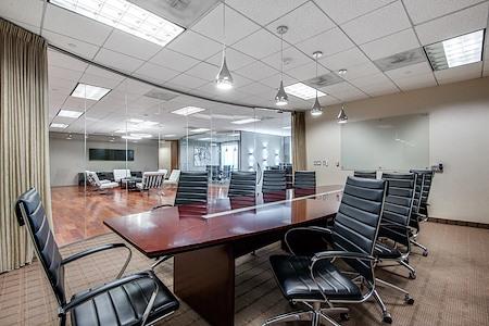 WORKSUITES | Dallas Galleria Tower Three - Boardroom