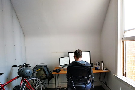 Dixon & Moe - Private Office | 1200