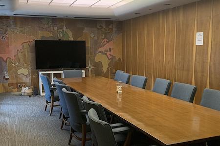 VIDA Coworking Community - VINTAGE Boardroom