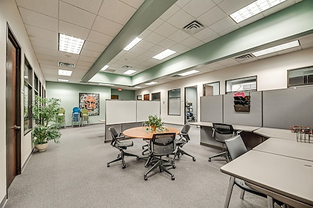 PinnStation Coworking - Dedicated Desk