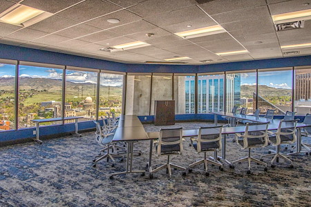 Office Evolution - Boise - 14th Floor Meeting Room