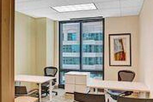 Carr Workplaces - Las Olas - Office 1420 Window Office