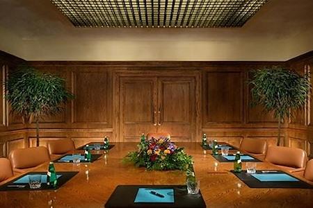 Houston Marriott Westchase - Executive Boardroom
