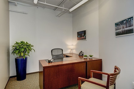 Carr Workplaces - Dupont - Dupont   Office #423