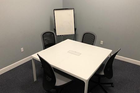 Easy Work Space (Moon) - Meeting Room #04