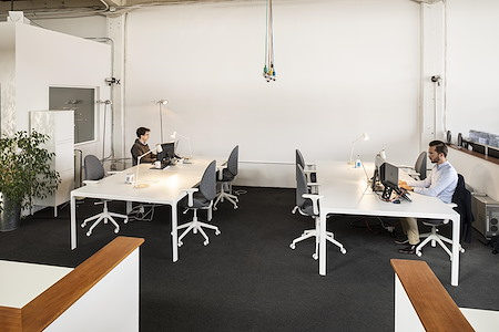 Choose Paris Region - Innovation Hub in the Dogpatch - Open Desk 1