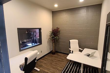 CenterSpace - Medium Private Office - Suite 104 (Copy)
