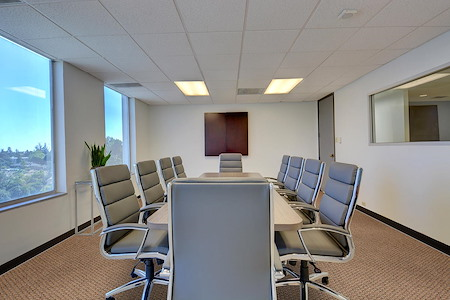Skyline Executive Offices - Imperial Room