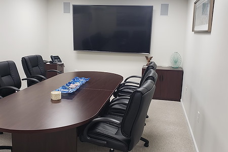 Work Hub Suites - Boardroom A