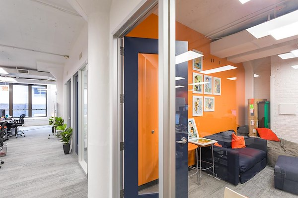 Novel Coworking - Huron - 8-10 Person Private Office