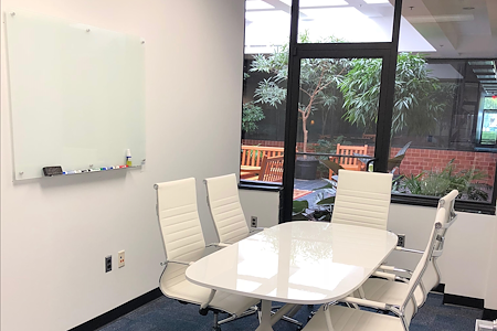 Oasis Office Columbia - Conference Room - Woodside