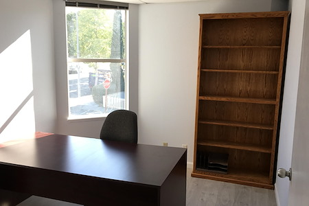 Hampton Agency - Office 2