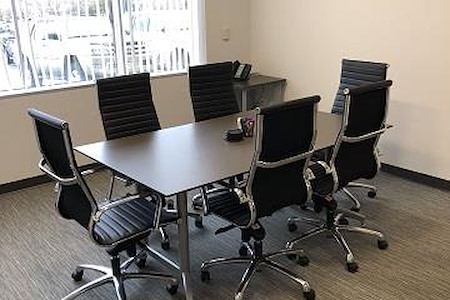 Intelligent Office-Westminster - Medium Conference Room