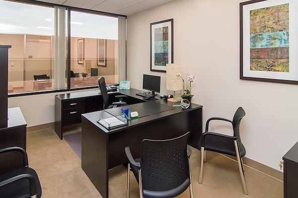 (DM2) Del Mar Corporate Plaza - Window Office