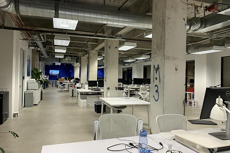 Creative Coworking Space in SOMA / Mission - Desks & flex space in creative suite